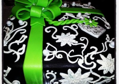 Gift Cake 3