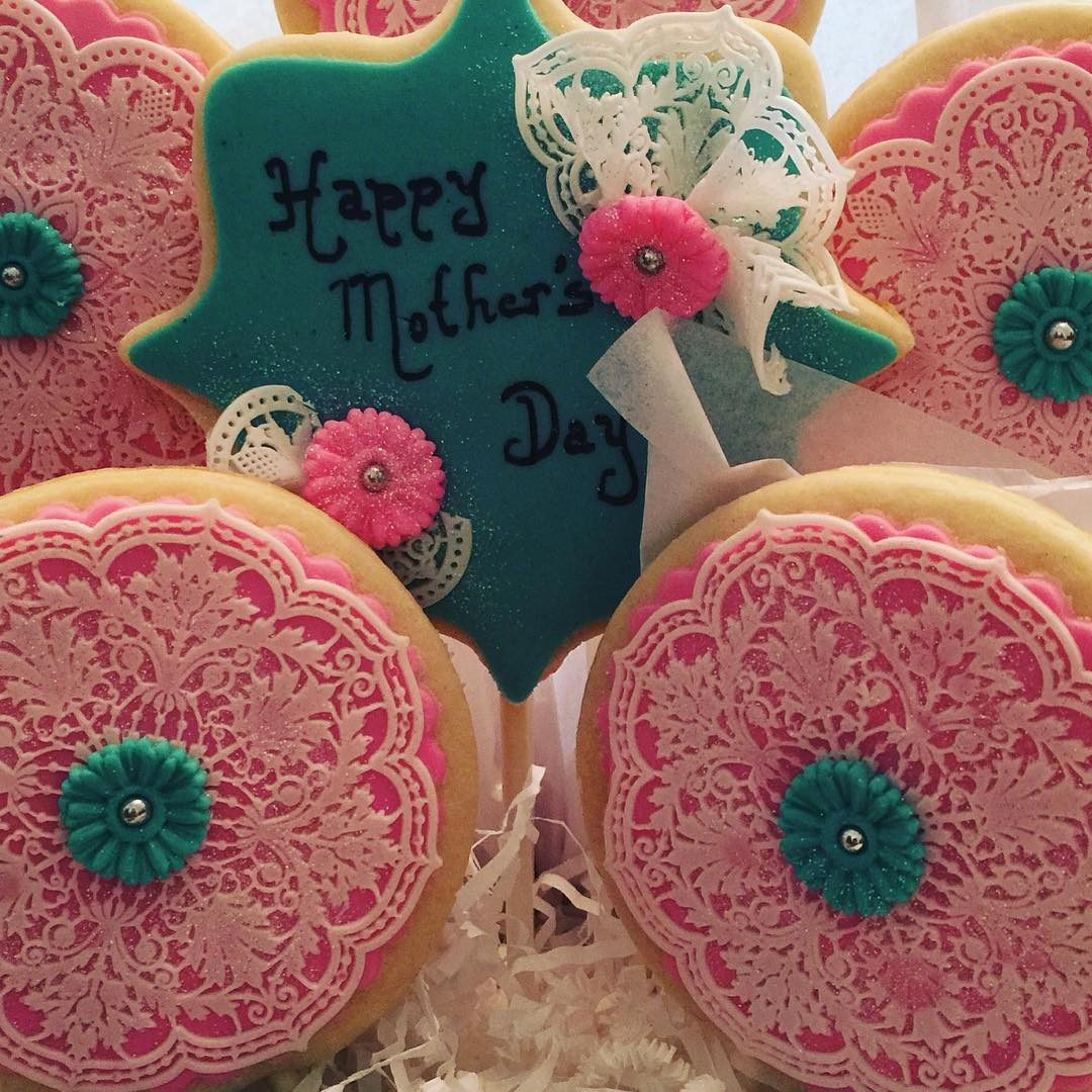 Mother's Day Lace Cookies