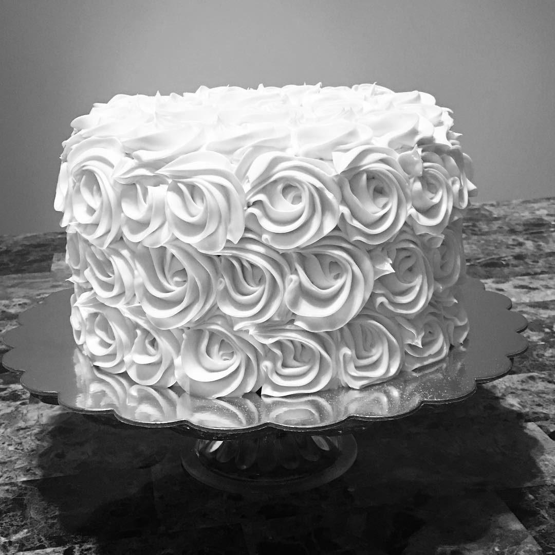 Simple Rosette Cake