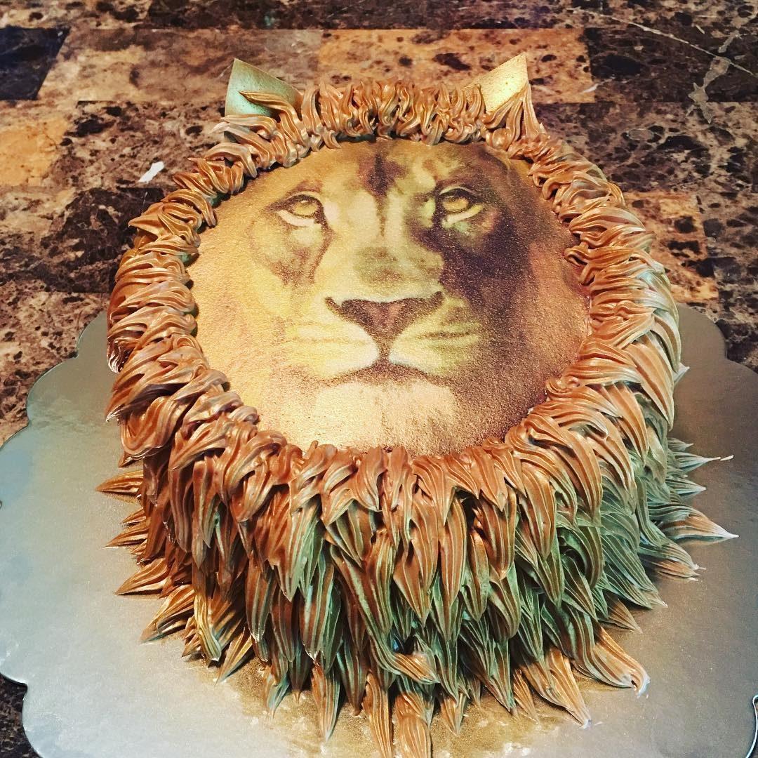Lion Face Birthday Cake