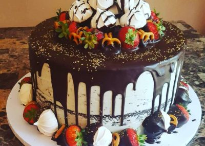 Drip Cake With Meringue And Strawberries